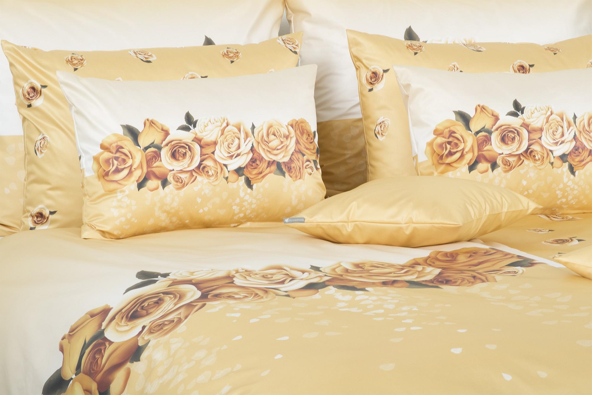feine satin bettw sche mit rosen in beige und braun glamonde. Black Bedroom Furniture Sets. Home Design Ideas